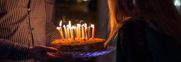 felicitaciones-cumpleaños-originales-graciosas-amiga-hermano-hija-pareja-